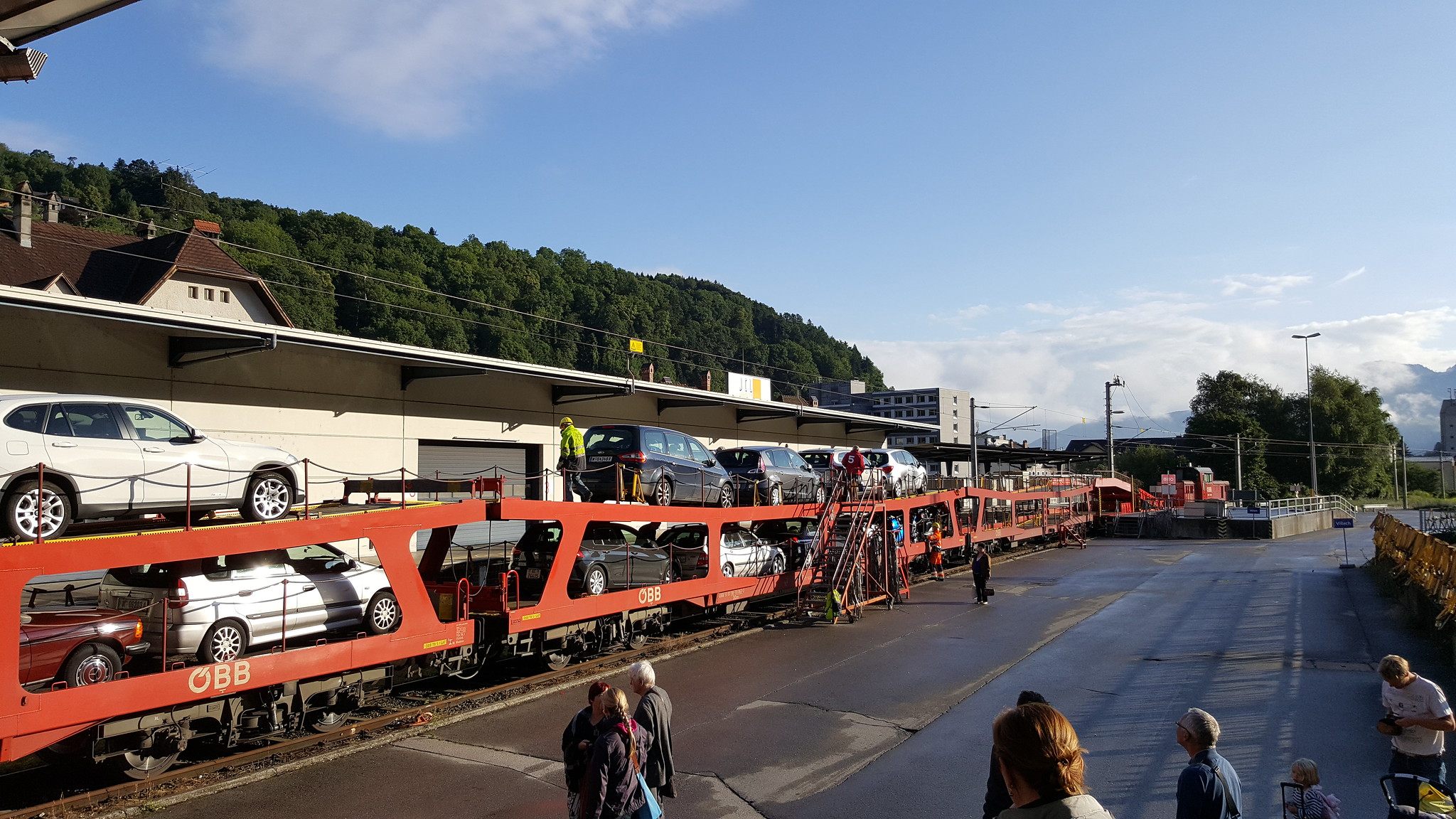 Picture of cars about to be unloaded from the Motorail from Vienna
